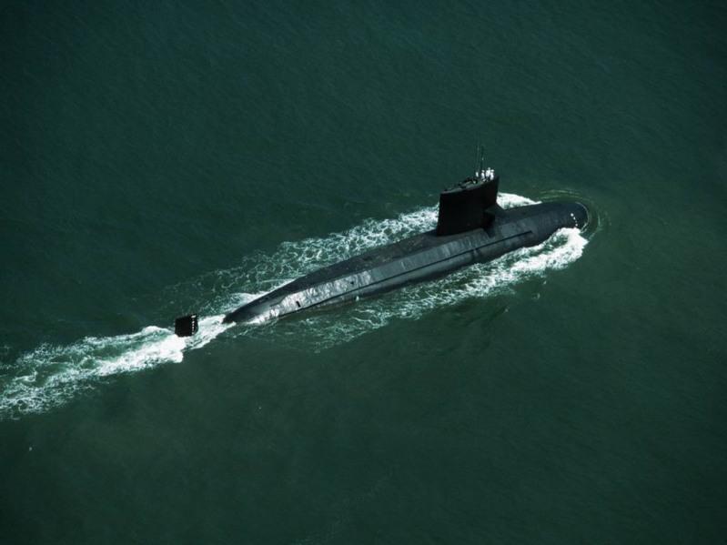 вид подводных лодок из космоса